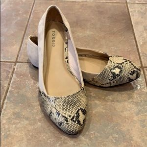 Torrid Snakeskin Taupe Neutral Flats NWT